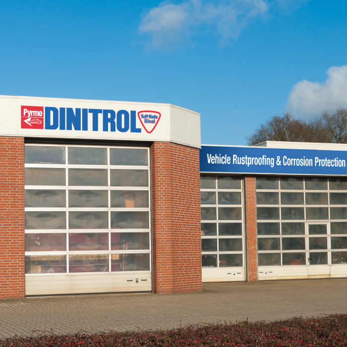 car rust proofing dinitrol treatment centre rust prevention underbody chassis coating classic car 4x4 landrover uk