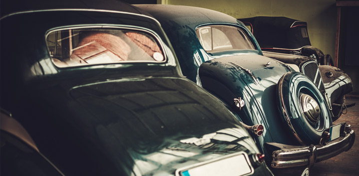 concours d elegance pebble beach classic car enthusiasts california stirling moss christies monterey car week show